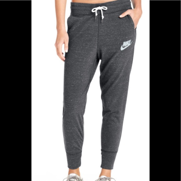 Nike Women s Gray Gym Vintage Sweatpants 9ee2a10db